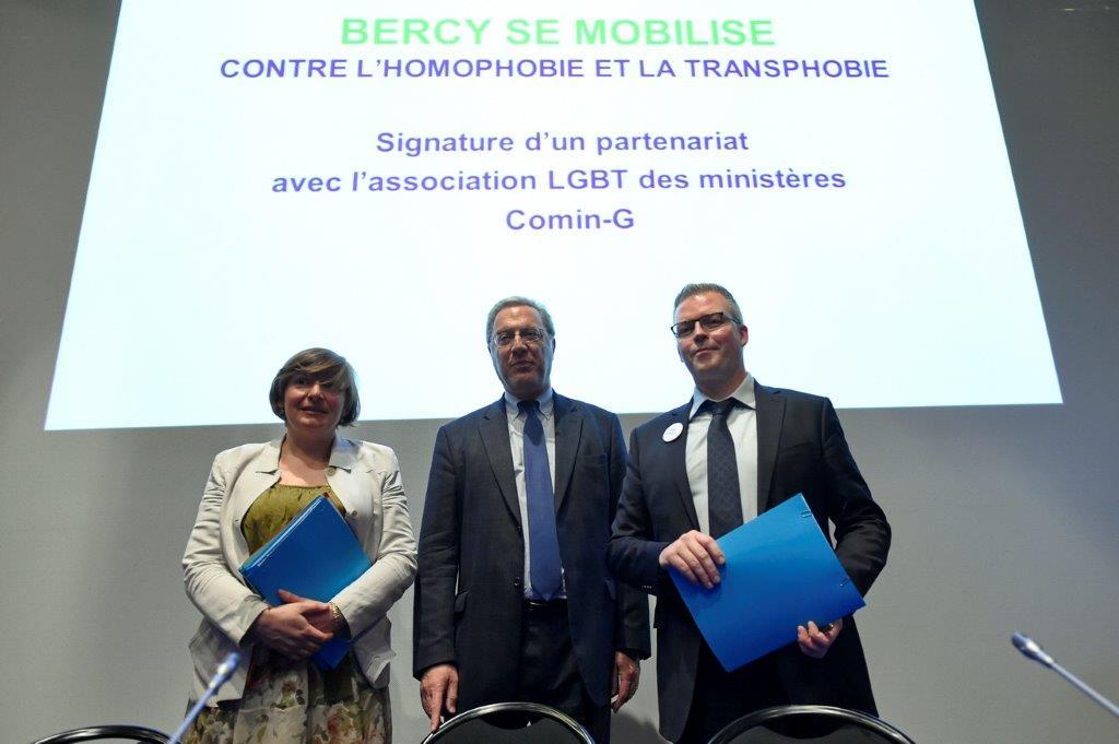 20160517_17_Signature_MINEFI_LGBT_Photo_PVedrune_
